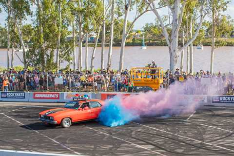 ROCKYNATS - Burnouts action against the Fitzroy River-min.jpg